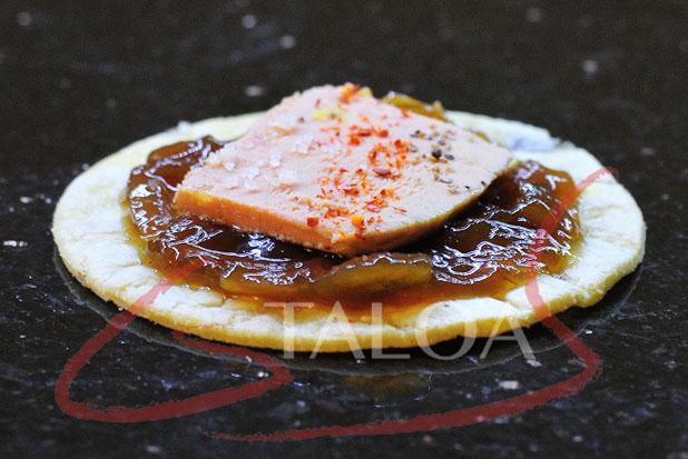 recette talo au foie gras et confit d oignons par gs taloa acheter taloa sebastien gonzalez. Black Bedroom Furniture Sets. Home Design Ideas